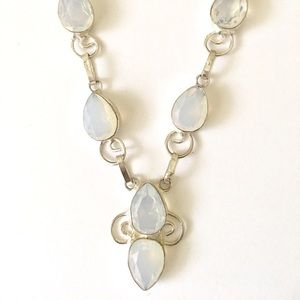 Moonstone and .925 silver necklace.